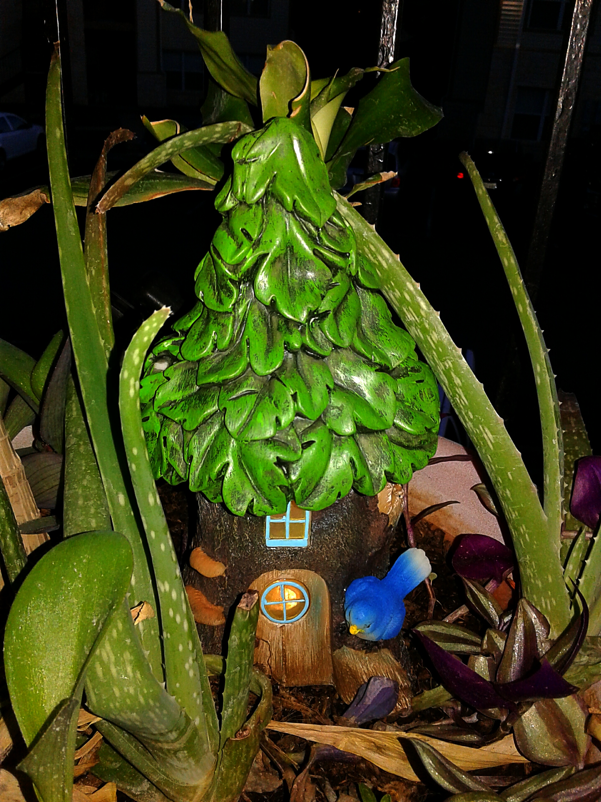 Whether Youu0027re A Home Gardener Or Fairy Fanatic, You Will Be Delighted With  This Solar Power Light Up Fairy Home For Your Tiny Friends.